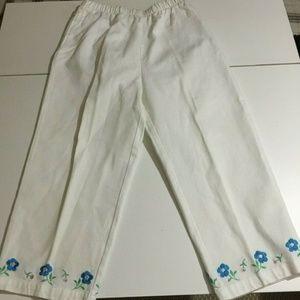 Denim & Co Medium White Pants Flower Embroidery